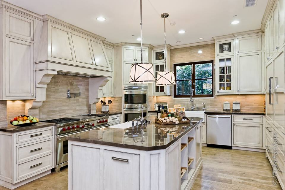 Hartsook estate gourmet kitchen in encino california for Gourmet kitchen designs